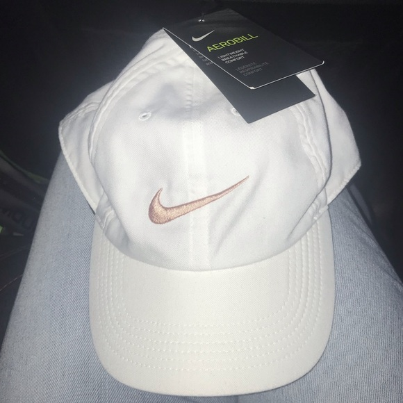 NWT Nike rose gold white cap 74a5a32e263